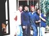 alcuni-giovani-volontari-ristrutturano-la-vecchia-casa-nel-1991